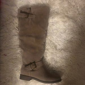 Grey boots new.  Size 7